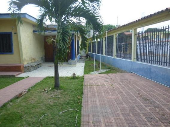 Casa En Alquiler En Zona Oeste Barquisimeto 20-3435 Nd