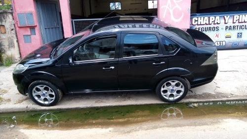 Ford  Fiesta Max 1.4 4 Puertas