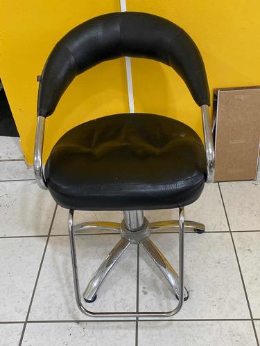 Imagem 1 de 4 de Cadeiras De Salão De Beleza