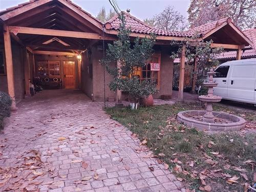 Casa En Venta De 3 Dorm. En Peñalolén