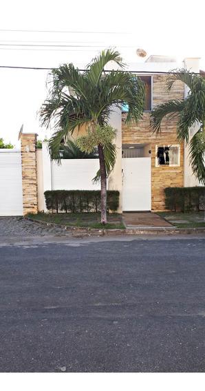 Casa Duplex Em Condomínio 3 Quartos, Garagem, Piscina