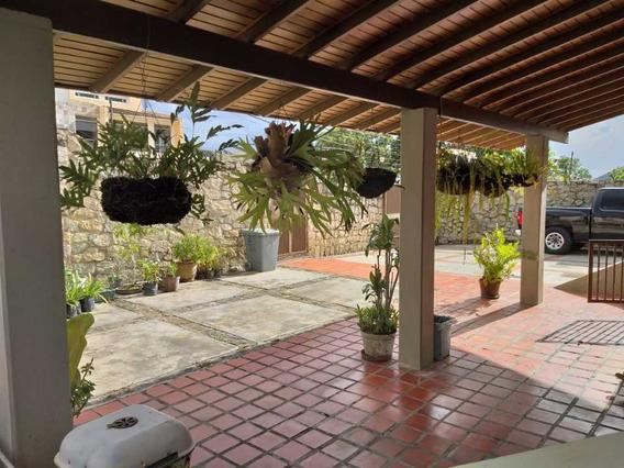 Casa En Urbanización Palmarito En Maracay