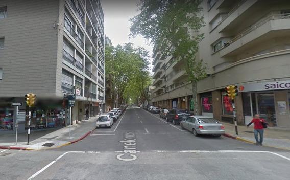 Venta Terreno Por Calle Canelones Cordón Sur Montevideo