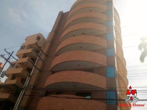 Apartamento En Venta Urb El Bosque Maracay Mj 20-12351