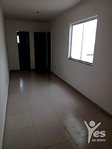 Imagem 1 de 7 de Ref.: 2570 - Apartamento Sem Condomínio Com 2 Dormitórios, Banheiro, Sala, Cozinha, Quintal, 1 Vaga. - 2570