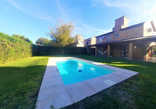 Valle Escondido - 3 Dormitorios - Pileta - Impecable!!!