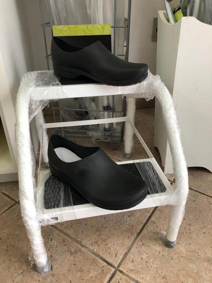 Calçado Sticky Shoes Antiderrapante Para Hospitais E Indústria, Cozinha, Possui C.a. Melhor Preço Do Mercado Livre!