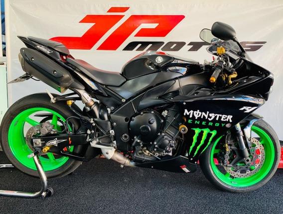 Yamaha R1 2013 Preta
