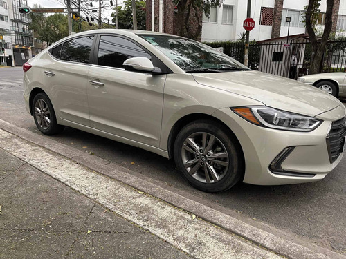Imagen 1 de 11 de Hyundai Elantra 2018 2.0 Gls Premium At