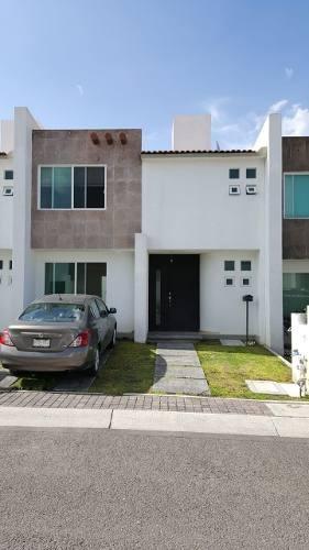 Se Renta Casa En Santa Fe Juriquilla, 3 Recamaras, Alberca