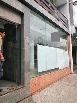 Alquilo Salon Comercial En El Centro De Luque Cod 2515