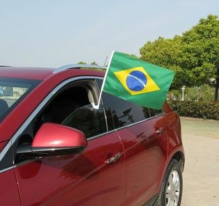 Kit Com 50 Bandeira Do Brasil Com Haste Para Vidro De Carro