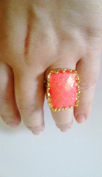 Anel Dourado Com Pedra Laranja