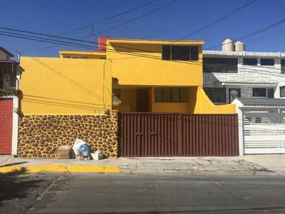 Casa En Venta En Laderas De San Mateo. Muy Bonita.