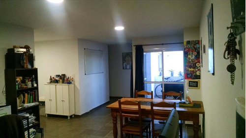 Imagen 1 de 13 de Departamento 2 Dormitorios En Av Colón