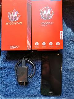 Moto Z2 Force // Completo Seminuevo + Funda + Covers