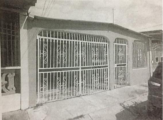 Se Vende Casa En Urbanización Altos De Las Acacias
