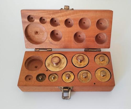 Caja De Pesas Calibradas, De Bronce, Chatas - De 2 A 100 Grs