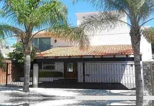 Se Vende Hermosa Residencia En Juriquilla, Gran Oportunidad!