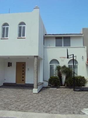 Paseo Amsterdan, Tejeda, Corregidora, Excelente Casa Amplia