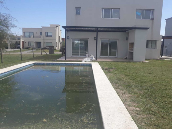 Casa 4 Ambientes 3 Dormitorios 3 Baños Pileta Quincho A Ext