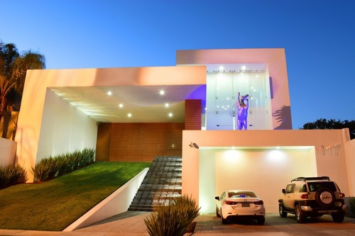 Espectacular Residencia En El Palomar, Diseño Exclusivo