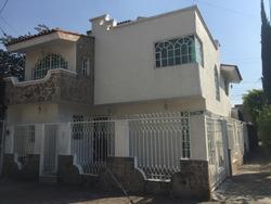 Casa Con 4 Recamaras 2 Baños (uno Con Tina De Hidromasaje)