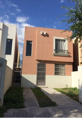 Casa De 2 Recámaras En Mitras Bicentenario