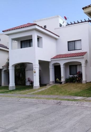 Casa En Renta, Fraccionamiento Quintas Al Andalus, Boca Del Rio, Veracruz