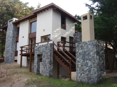 Casa Estilo Moderna Piedra Y Madera