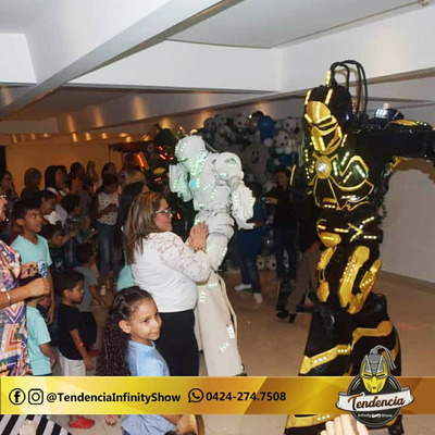 Show Robot Led, Hora Loca, Tequileros, Zanqueros, Mimos