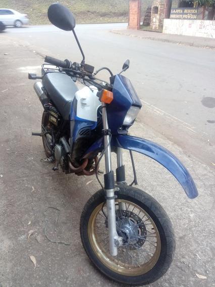 Honda Nx 350 Sahara.