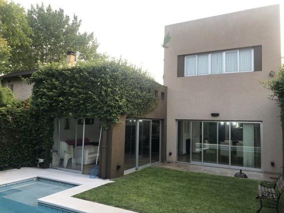 Excelente Casa En Venta De 220m2 - Calle 135 Y 63