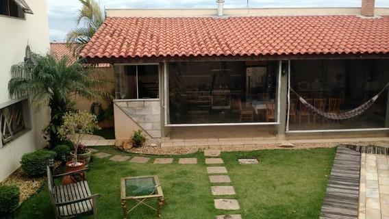 Casa Para Venda Em Bragança Paulista, Altos De Bragança, 4 Dormitórios, 1 Suíte, 4 Banheiros, 4 Vagas - 5465