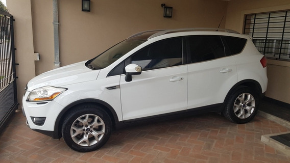 Ford Kuga 2.5 Titanium At 4x4 L Aut. (200hp) - Impecable -