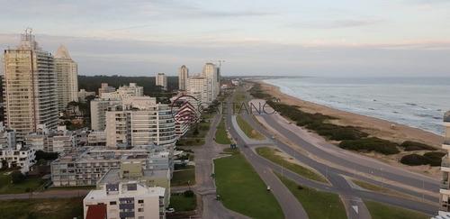 Penthouse En Playa Brava-ref:2397