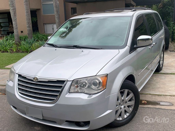 Chrysler Town & Country 3.8 Limited Gris 2010 Excelente