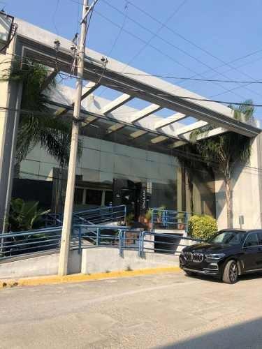 Edificio En Venta 1,200m2 Valle Oriente (actualmente Rentado A 5 Años)