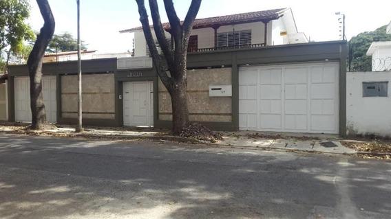 Casa En Alquiler La Floresta Caracas
