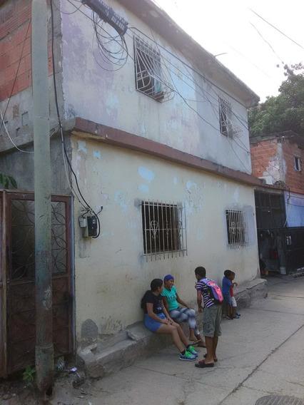 Se Vende Casa De Planta En Caraballeda 150m2