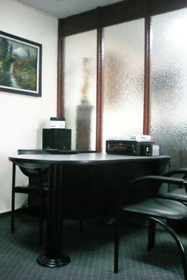Hermoso Departamento / Oficina Sector La Mariscal Oportunida