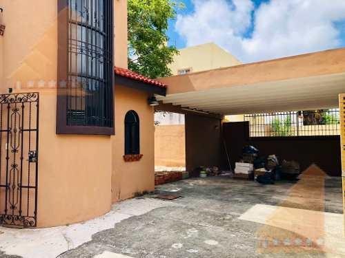 Casa En Venta Remodelada Doble Terreno 3 Rec Res. La Piedra