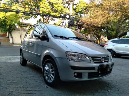 Imagem 1 de 12 de Fiat Idea 2009 1.4 Elx Flex 5p