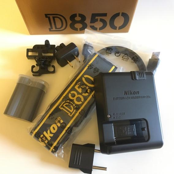 Nikon D850 + Kit ( Bolsa Tripé Grip 64gb )