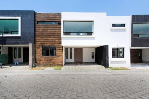 Casa En Venta En Residencial Paseo Palmas