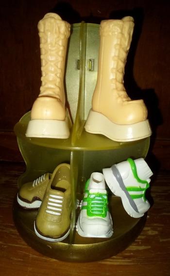 Pequeño Exhibidor De Zapatos De Juguete
