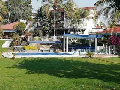 Casa En Condominio En Pedregal De Las Fuentes / Jiutepec - Grb-351-cd