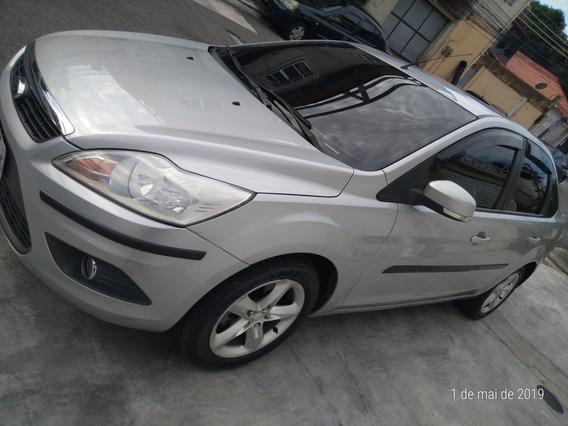 Ford Focus Sedan 2.0 Glx Flex 4p 2010