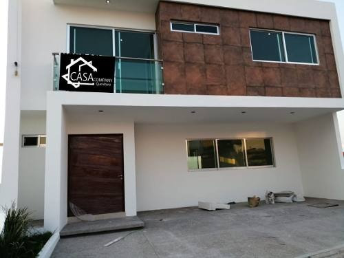 Preciosa Casa En Punta Esmeralda, 3 Recamaras, Jardín, 3 Recamaras, Alberca..