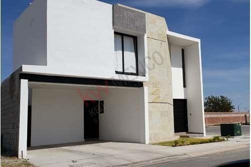 Casa En Renta Semi-amueblada, Da Vinci, Villas Del Renacimiento, Torreón, Coahuila